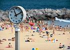 Co robi� Polacy na urlopie? Pracuj�