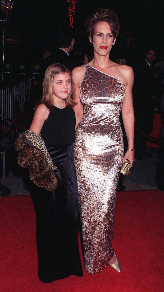 Jamie Lee Curtis z córką Annie na premierze w 1997