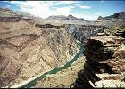 """Koniec """"dziewiczego"""" Wielkiego Kanionu Kolorado? Indianie Navajo chc� tam budowa� hotele, restauracje i nawet kolejk� linow�..."""