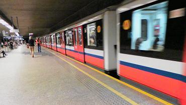 Metro (zdjęcie ilustracyjne)