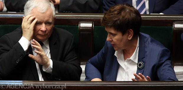 """Niemiecka prasa o dużym problemie prezesa PiS. """"Kaczyński najchętniej by tej ustawy w ogóle nie tykał"""""""