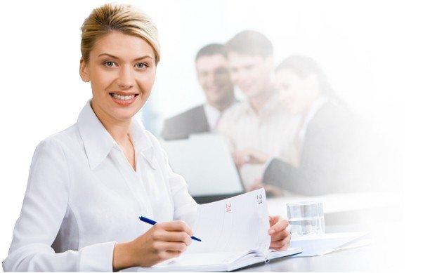 Coraz wi�cej miejsc pracy dla specjalist�w i mened�er�w