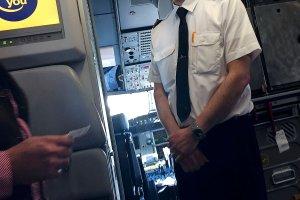 """Pilot Germanwings przed lotem przyszed� porozmawia� z pasa�erami. """"Ja te� mam rodzin�..."""""""