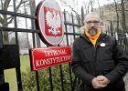 Zwolennicy KOD nie mog� przyjmowa� komunii? Kijowski pisze do kard. Nycza: Wielu katolik�w uczestniczy w KOD, bo...