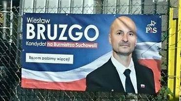 Mimo, że PiS wyrzuciło Wiesława Bruzgo ze swoich szeregów i cofnęło mu rekomendację na burmistrza Suchowoli, ten prowadzi swoją kampanię wyborczą z logo PiS