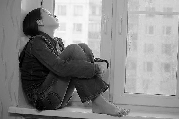 Psychiatra: W Polsce co roku pope�nia samob�jstwo ok. 300 nastolatk�w
