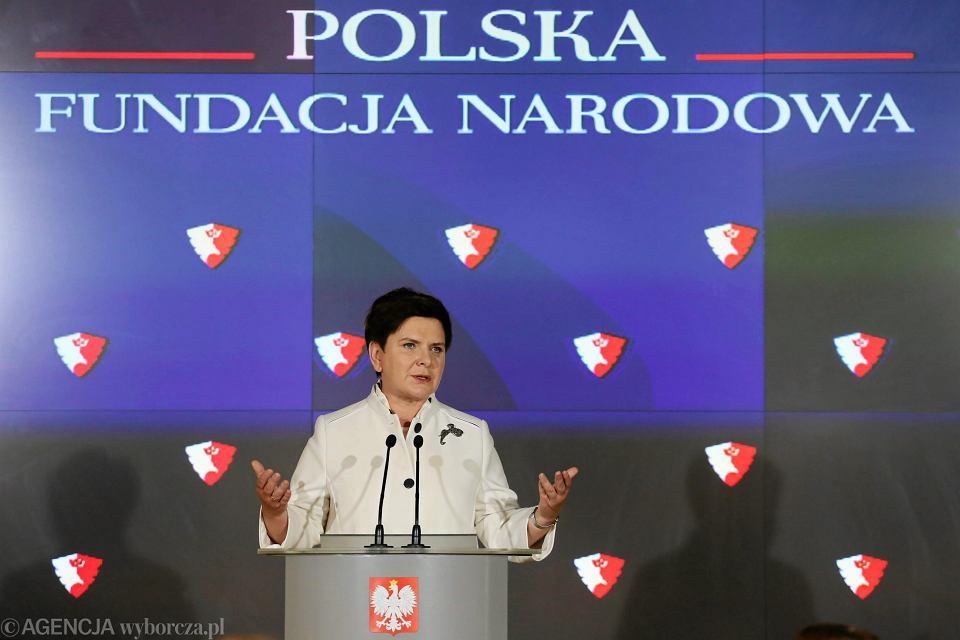 Premier Beata Szydło ogłasza powstanie Polskiej Fundacji Narodowej.