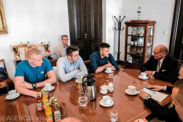 Zdjęcie numer 0 w galerii - Tadeusz Ferenc spotkał się z młodymi siatkarzami [ZOBACZ ZDJĘCIA]