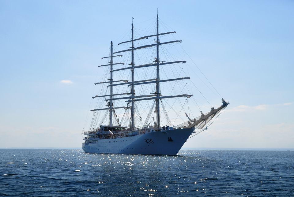 صور السفينة الشراعية الجزائرية  [ الملاح 938 ] - صفحة 6 Z22121915V,Zaglowiec--El-Mellah--zbudowany-przez-stocznie-Rem