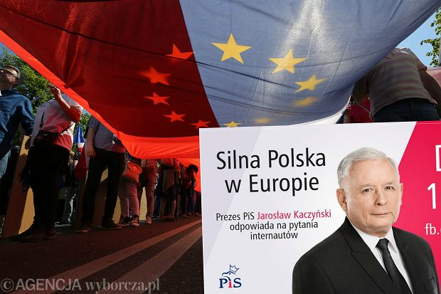 """Czat z Kaczyńskim i komentarze o """"katastrofie opozycji"""". Tak wysilało się TVP, żeby przykryć marsz KOD"""