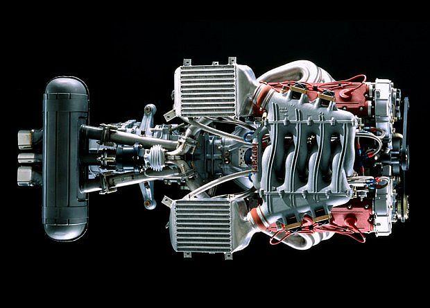 silnik ma skromne 3 litry pojemności, osiem cylindrów w układzie V i 479 KM mocy