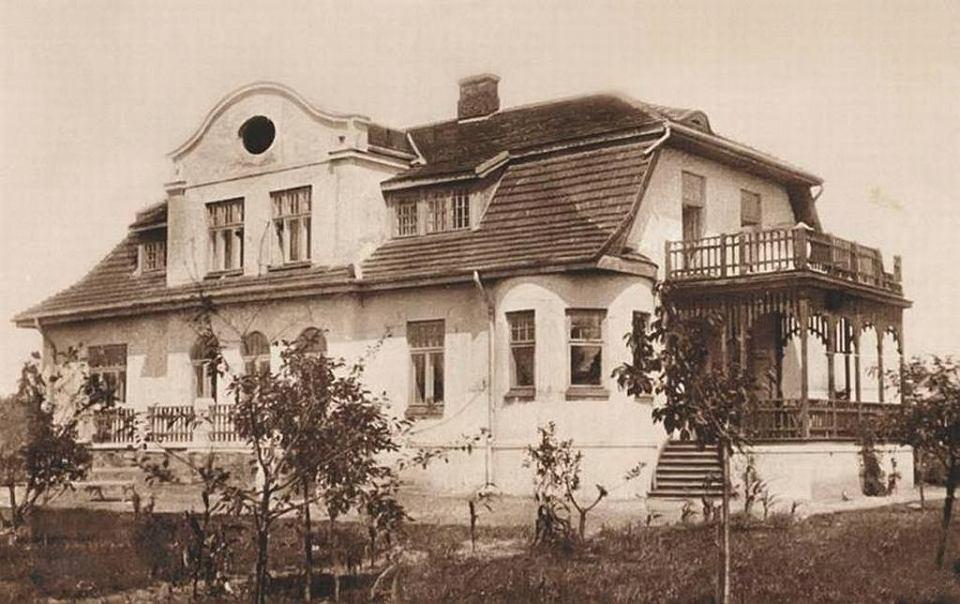 Przedwojenne zdjęcie willi przy ul. Słonecznej 3 w podwarszawskim Brwinowie, gdzie Ludwik Wertenstein i jej właściciel prof. Wacław Werner zamurowali w piwnicznej ścianie pojemnik z radem
