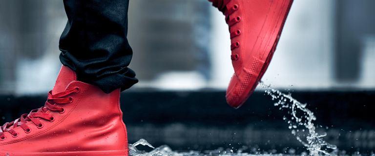 Converse na zimę: ocieplane trampki oraz gumowe modele na co dzień