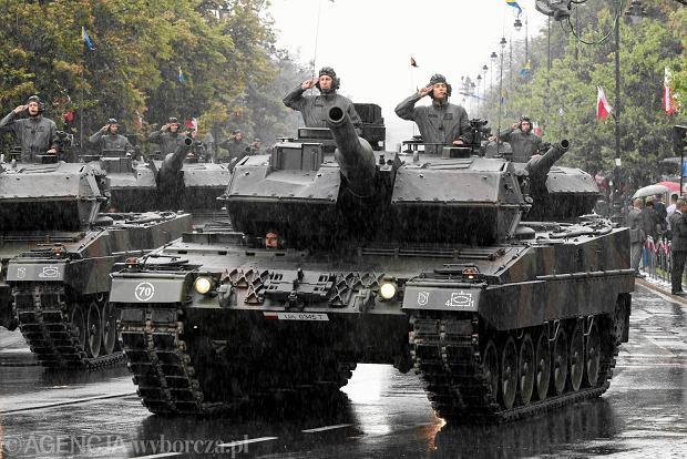 Święto Wojska w Warszawie: defilada i piknik wojskowy. Objazdy i utrudnienia w ruchu