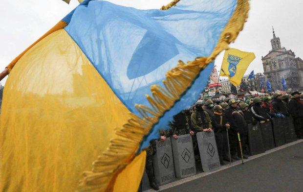 Protestujący opuszczają okupowane budynki, rozbierają barykady. To przełom w ukraińskiej rewolucji?