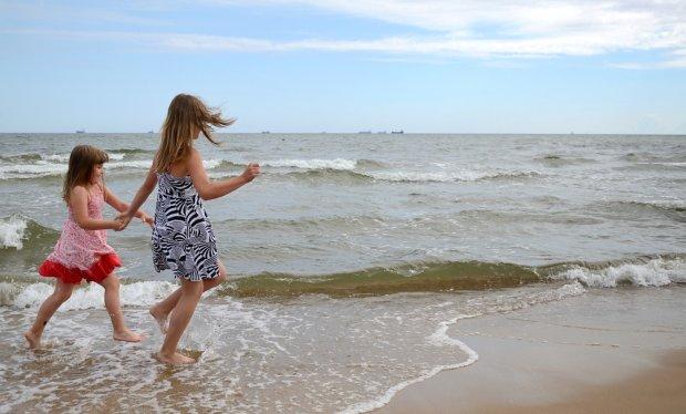 K�piel w Ba�tyku tylko dla odwa�nych? Niekoniecznie! Przeczytaj, gdzie nad polskim morzem jest najcieplejsza woda [FORUM]