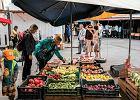 Ceny owoców wyższe nawet o 70 proc., a to jeszcze nie koniec wzrostów. Przez słabe zbiory zdrożeją też przetwory