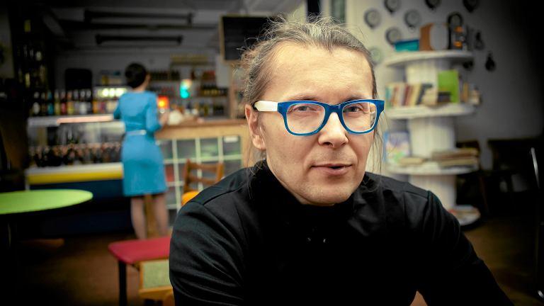 Cezary Polak - szef klubokawiarni  Kicia kocia