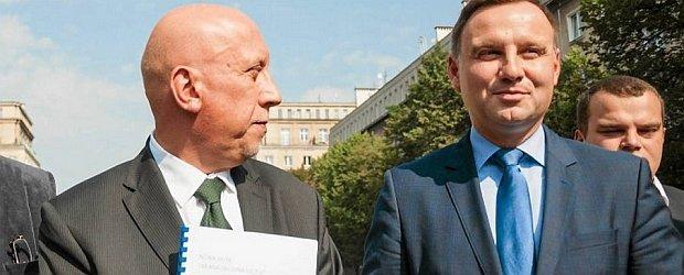 """Kandydat PiS na prezydenta zatrudni� c�rki kolegi z partii. """"Nie przecz�, znam si� z Andrzejem..."""""""