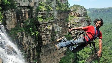 Najwyższa huśtawka świata - skok ze 165 metrów / www.wild5adventures.co.za