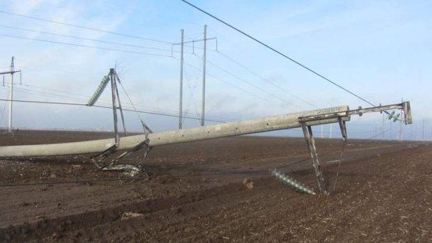Krym bez pr�du. Nieznani sprawcy wysadzili wszystkie s�upy energetyczne
