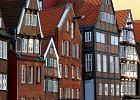 Hamburg przeciw sikaniu na miejskie mury. Z imprezowiczami walczy farbą