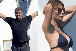 Sylvester Stallone w miniony weekend świętował z rodziną swoje 70. urodziny. Aktor wybrał się z tej okazji z żoną i trzema córkami na rejs luksusowym jachtem. Sam Stallone nie wszedł do wody, ale czujnie obserwował swoje piękne pociechy, odziane w skąpe bikini. Całe show i tak skradła im... ich matka, 47-letnia modelka Jennifer Flavin, której figury i seksapilu mogą pozazdrościć o dekady młodsze panie.