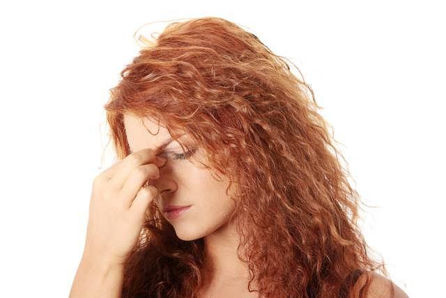 Nieleczone lub nieprawidłowo leczone zapalenie zatok przynosowych może doprowadzić do wystąpienia groźnych powikłań, m.in. zapalenia opon mózgowych, ropnia mózgu