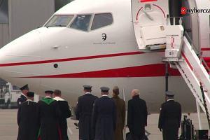 Macierewicz chwali się sukcesami MON. Zamiast śmigłowców dla żołnierzy kupił samoloty dla VIP-ów
