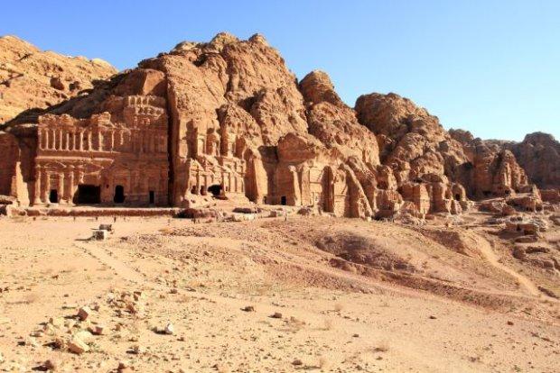 Petra. Cud wykuty w skale
