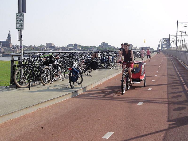 Most rowerowy w Nijmegen, Zielonej Stolicy Europy 2018 r.