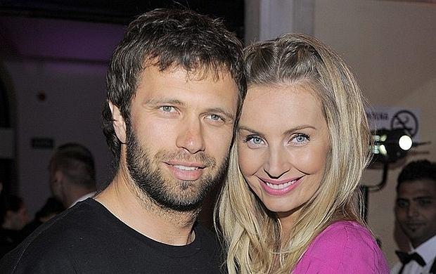 Agnieszka Szulim i Adam Badziak rozstali si�. Poznaj histori� ich mi�o�ci