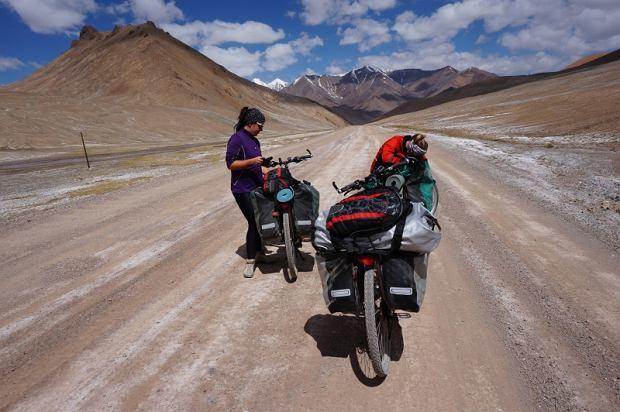 Zdjęcie numer 1 w galerii - Sześć tysięcy kilometrów, sześć azjatyckich krajów, trzy kobiety na rowerach