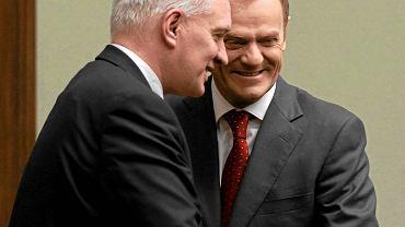 Minister sprawiedliwości Jarosław Gowin i premier Donald Tusk w Sejmie