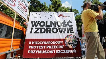 Marsz antyszczepionkowcow w Warszawie