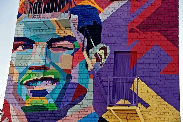 Mistrzostwa świata w piłce nożnej 2018. Lionel Messi będzie musiał patrzeć na... mural Cristiano Ronaldo