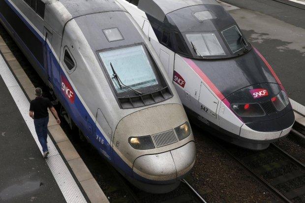 Francja: ponad 2 tys. pasa�er�w sp�dzi�o noc w dw�ch poci�gach TGV. Awaria pr�du