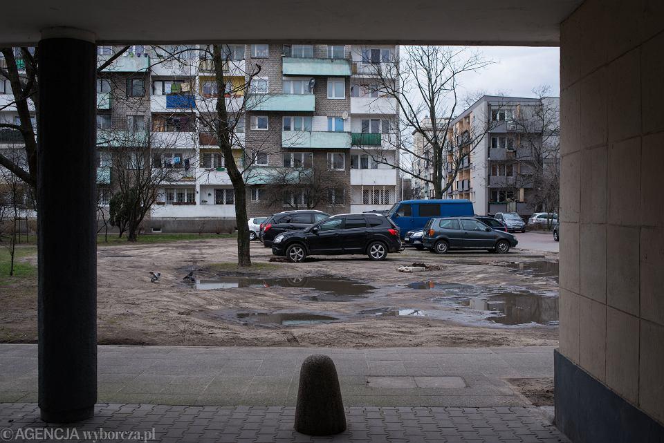 Parkowanie na podwórku