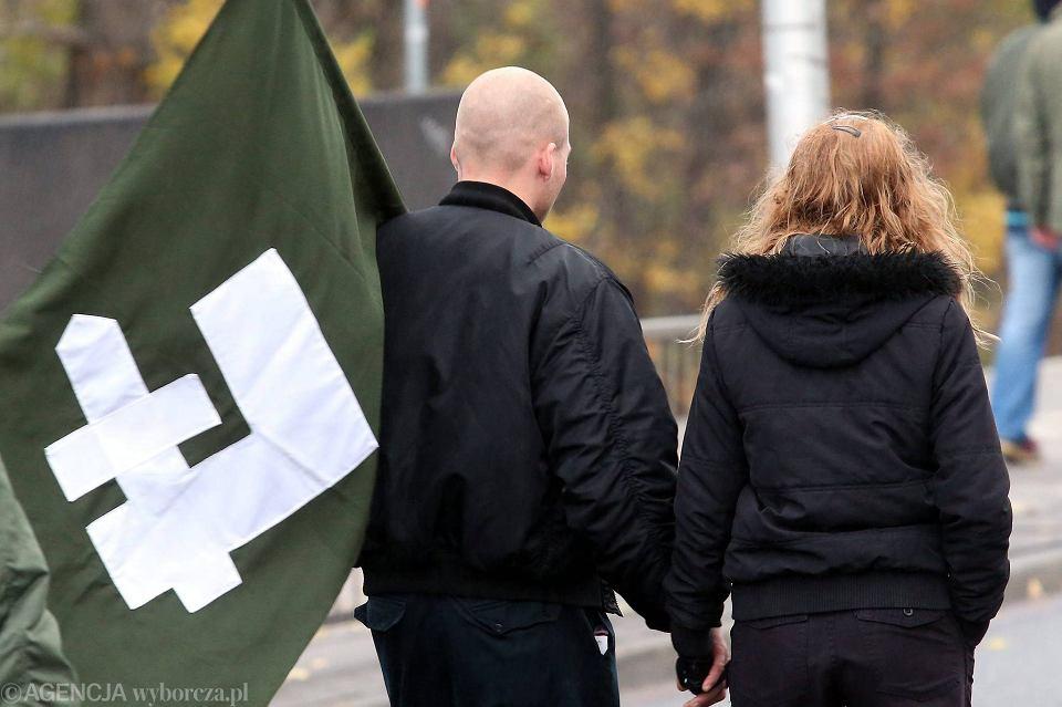 Symbol falangi podczas Marszu Niepodległości, 11 listopada 2015 r.