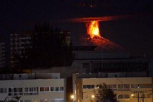 Widowiskowa erupcja wulkanu w Chile. Internauci publikuj� niesamowite zdj�cia