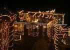 Griswoldowie z Krapkowic. Ich dom o�wietla 35 tys. lampek. T�um ludzi telewizja z Australii