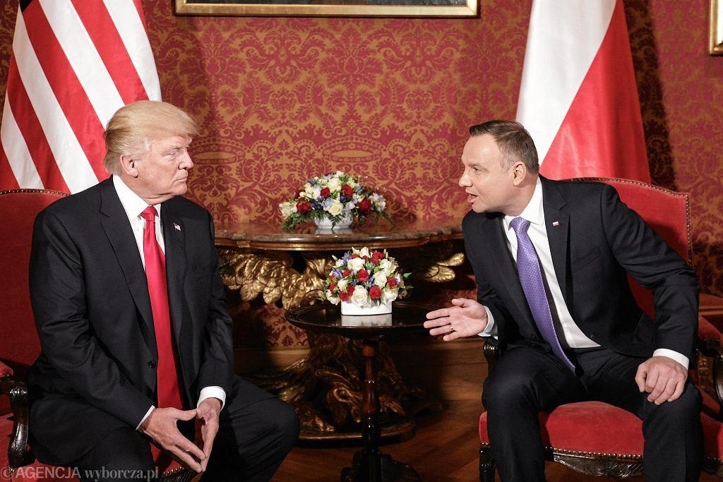 Donald Trump i Andrzej Duda podczas spotkania w Zamku Królewskim w 2017 r.