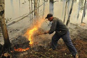 Na Syberii p�onie ponad 100 tys. hektar�w las�w. Z po�arami walczy 3,5 tys. os�b