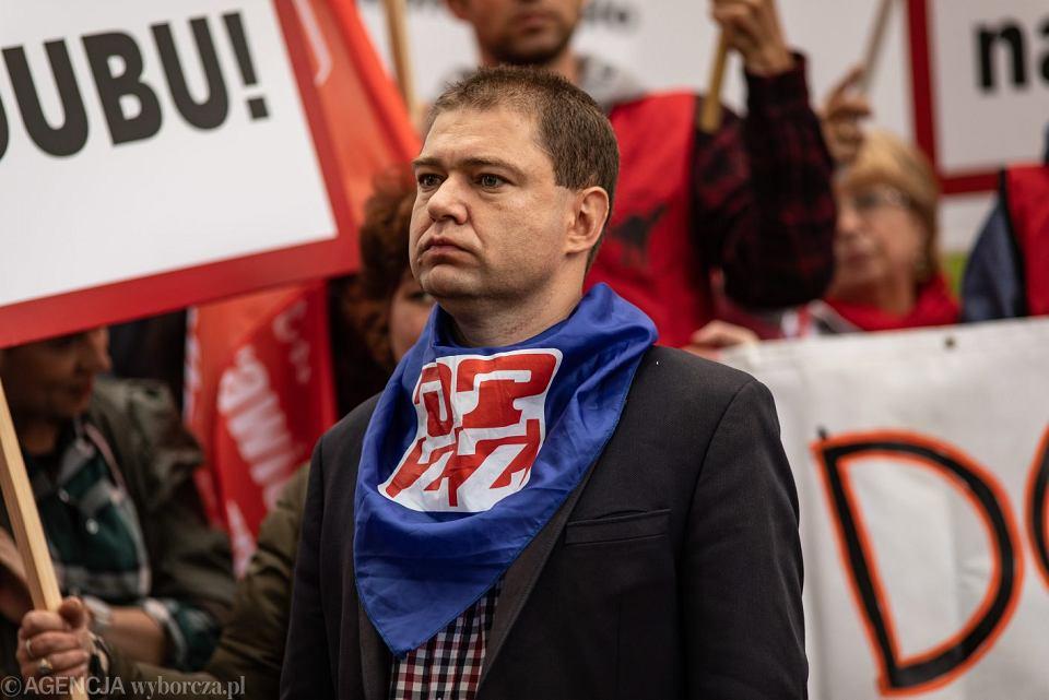 Piotr Szumlewicz podczas protestu Zwiazkowców LOT, 30.06.2018