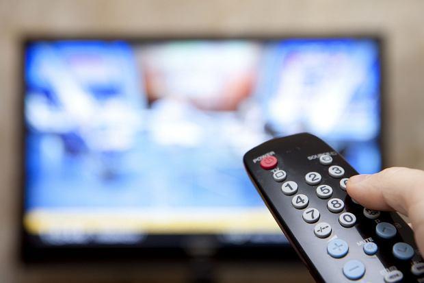 PiS nagle zamraża prace nad ustawą uszczelniającą abonament RTV.  Partia boi się spadku poparcia w sondażach