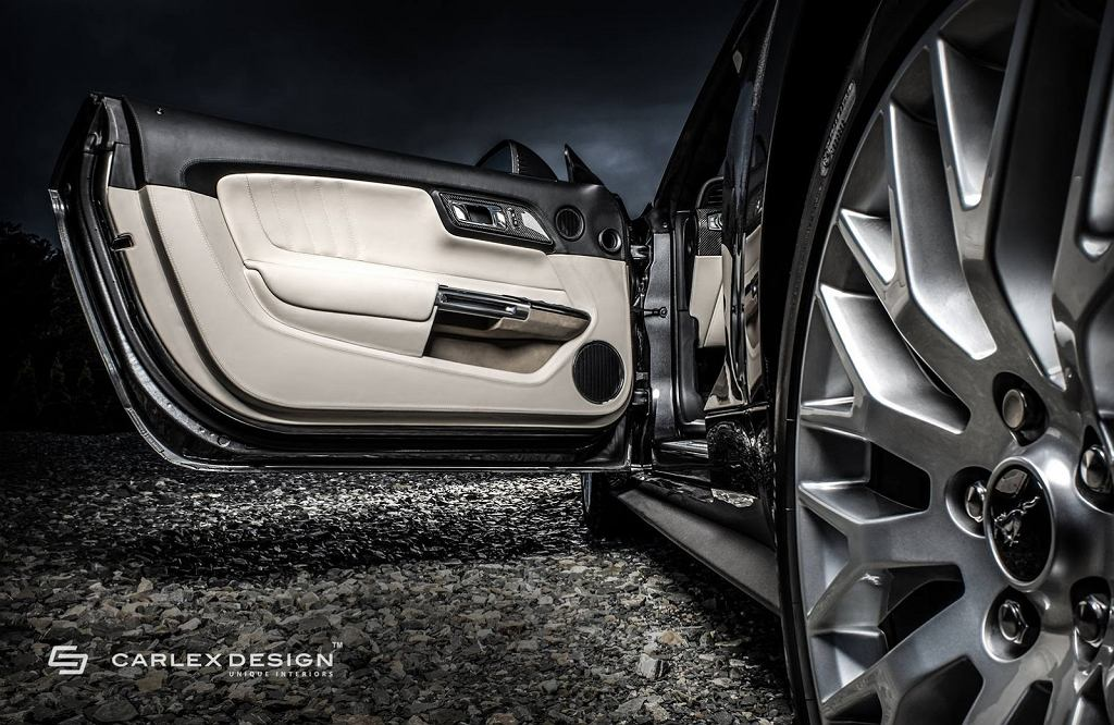 Ford Mustang GT Convertible Carlex Design