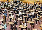 Uczniowie z Tr�jmiasta chc� powt�rzenia matury z chemii, bo by�a za trudna