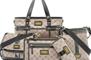 d6fe4e45132ac Ochnik: nowe torebki i portfele z logotypem