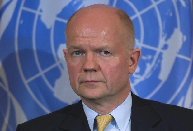 Szef brytyjskiego MSZ: Nie ma w�tpliwo�ci, �e za separatystami na Ukrainie stoi Rosja