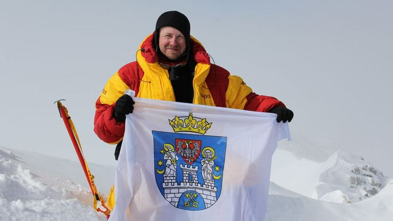 Poznaniak Bartłomiej Wróblewski zdobył już m.in. masywie Vinsona - najzimniejszy szczyt świata